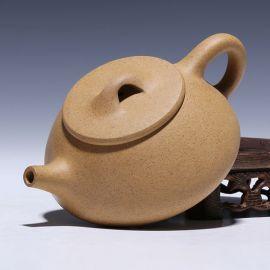 tea cup and pot set