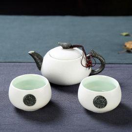 tea cup and teapot set