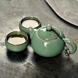 Ceramic teapot set